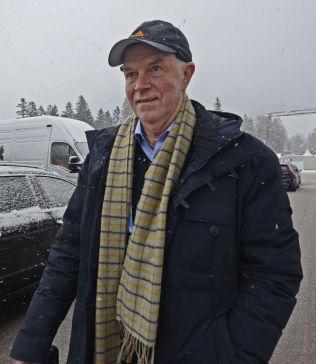 <p>UAKTUELT MED FORBUD: President i det internasjonale skiskytterforbundet, IBU, Anders Besseberg, fotografert under verdenscuprennene i Ruhpolding forrige uke.</p>