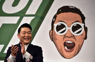 <p>KAN FORTSATT SMILE: Psys «Gangnam Style» har fortsatt rekorden på YouTube</p>