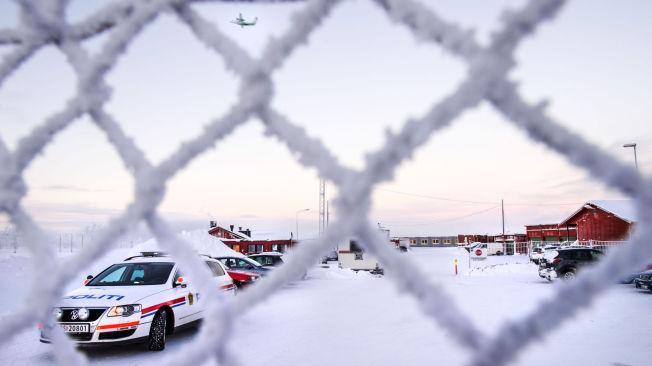<p>MED FLY TIL RUSSLAND: Det vurderes nå om alle flyktningene som er arrestert av politiet bli flydd enten til Murmansk eller Moskva i nær fremtid.</p>