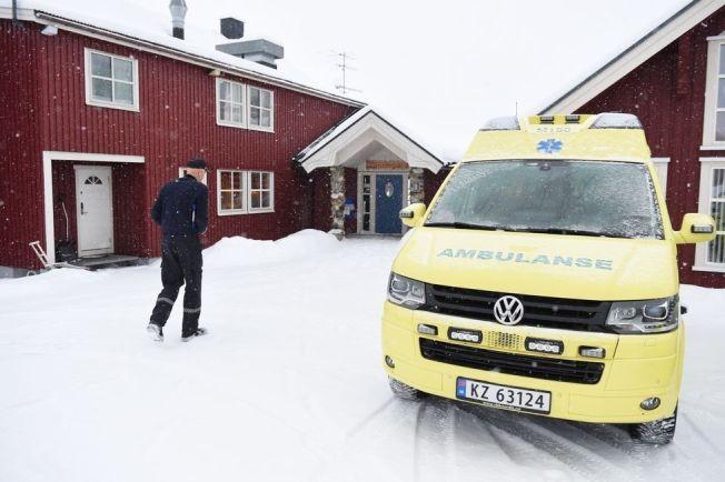 <p>MØTES FOR Å SNAKKE: Det ble arrangert møte ved Lierne gjestegård lørdag ettermiddag etter den tragiske ulykken.</p>