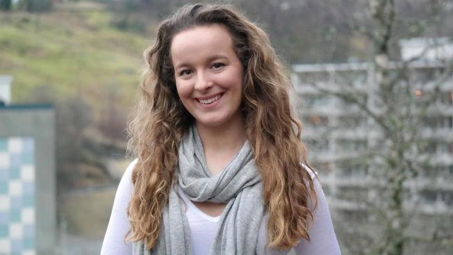 <p>VIL LÆRE Å BLI LÆRER: Maria Helle (18) fra Bergen er supermotivert for å bli lærer. Men ikke så motivert for å ta tilleggskurs for å klare mattekravet.</p>