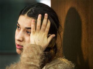 <p>FORTVILET: Nadia Murad (22) er i Norge, og forteller til VG at hun er svært bekymret for hva som skjer med kvinner og jenter som blir holdt til fange av IS.</p>