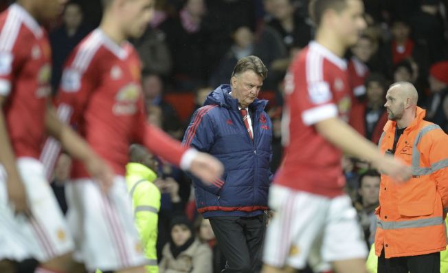 HARDT PRESSET: Manchester Uniteds nederlandske manager Louis van Gaal forlater banen etter kampen mot Southampton.