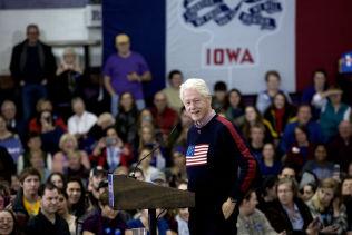 <p>PÅ SCENEN: Bill Clinton talte om hvorfor de oppmøtte burde stemme på Hillary.</p>