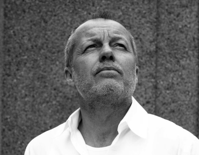 <p>REKLAME-GURU: Øistein Borge (57) har lang erfaring innen film- og reklamebransjen, og som reklameregissør har han blant annet hentet hjem to Gulløver fra reklamefilmfestivalen i Cannes. Nå krimdebuterer han.</p>