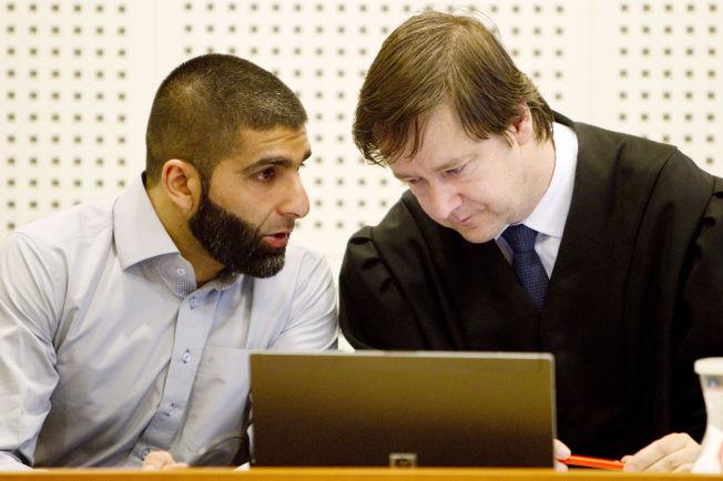 <p>VIL VITE: Arfan Bhatti (t.v.) og forsvarer John Christian Elden i Borgarting lagmannsrett. Bildet er fra 2010.</p>