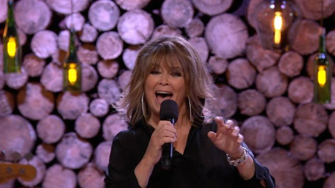 <p>DISCODRONNING: Wenche Myhre. Foto: TV2</p>