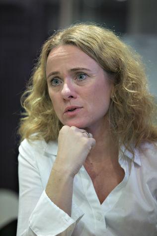 <p>VIL SKRIVE BREV: Arbeids- og sosialminister Anniken Hauglie.</p>