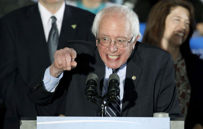 <p>BERNHEIT: Bernie Sanders var i fyr og flamme da han kunne juble sammen med sine tilhengere for at de utklasset Hillary Clinton i staten hun vant primærvalget i i 2008 over Barack Obama.<br/></p>
