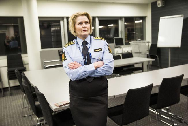 <p>IKKE FORNØYD: Leder for Seksjon for volds- og seksualforbrytelser i Oslo politidistrikt, Grete Lien Metlid, mener ansettelsesprosesser kan ha skylden for at det er for få kvinnelige politiledere.</p>