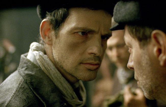 <p>Den ungarske poeten Géza Röhrig filmdebuterer i hovedrollen i ekstremt sterke og meget gode «Sauls sønn».</p>