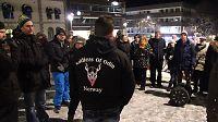 Vil møte «Soldiers of Odin» med røde nisseluer