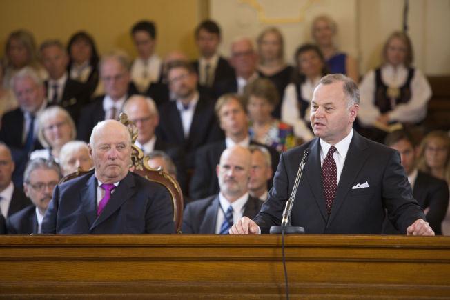 <p>RINGTE UTENRIKSMINISTEREN: Stortingspresident Olemic Thommessen (H), her sammen med kong Harald (som søndag fylte 79 år) under markeringen av Høyesteretts 200 års-jubileum.</p>