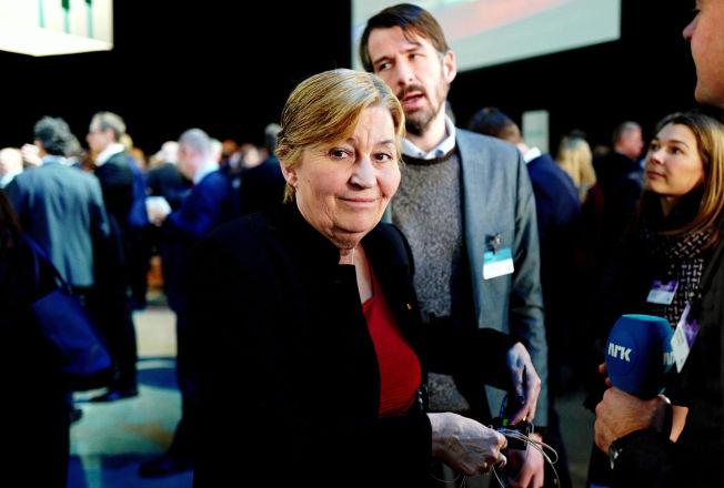 <p>SAMLING: LO-leder Gerd Kristiansen fikk mandag med seg et enstemmig LO-sekretariat på innstillingen om lønnskravene foran årets hovedoppgjør.</p>