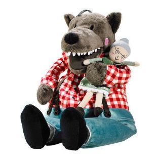 <p>TO FIGURER: Slik ser kosedyret «Lufsig» ut på Ikeas hjemmesider. I butikken hadde de imidlertid smeltet sammen slik at mormor lå i munnen og magen til ulven.</p>