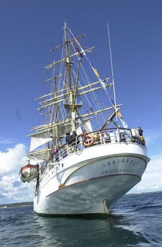 <p>RAGNHILDS SKOLE: Skoleskipet Sørlandet er omgjort til internasjonal privatskole og seiler for tiden ved Tahiti i Stillehavet.</p>