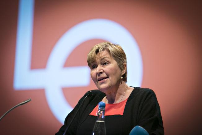 <p>DYSTRE UTSIKTER: LO-leder Gerd Kristiansen holdt innledningen på LOs representantskap tirsdag formiddag.</p>