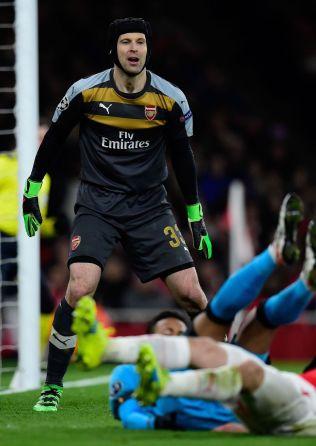 <p>NULLEN SPRAKK: Petr Cech innrømmer at CL-exiten ser nær ut.<br/></p>