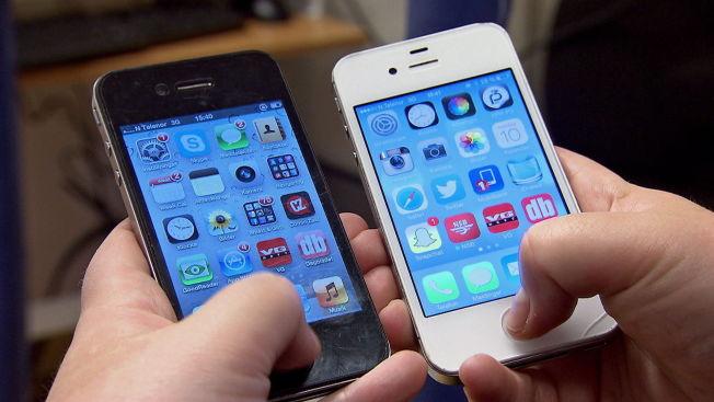 <p>I RETTSKRANGEL: Apple ønsker ikke å hjelpe FBI med å knekke tastelåsen på telefonen til den døde terroristen Syed Farook.</p>