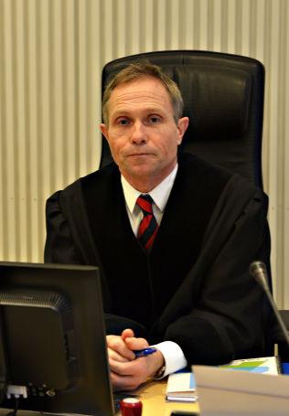 <p>DOMMER: Tingrettsdommer Morten Berg i Nord-Troms tingrett mener Jarle Andhøy handlet i god tro, da han seilte til Antarktis i fjor med tillatelse fra argentinske myndigheter.</p>