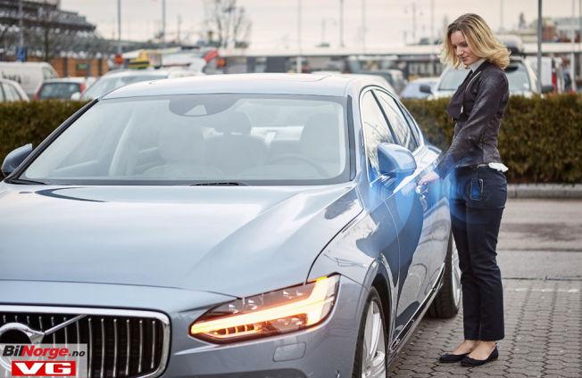 <p>NØKKELFRI: Volvo vil som første produsent levere en bil der telefonen fungerer som eneste nøkkel.</p>