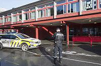 Gutt knivstukket på skole i Bergen
