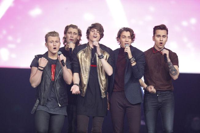 <p>BOYBAND: Alexandru (15), Andreas (19), Kevin (16), Vemund (20) og Thomas Alexander (18) (Suite 16) med låten «Anna Lee».</p>