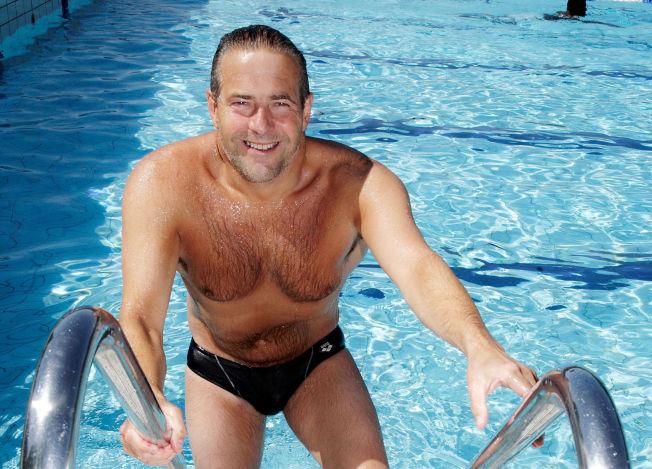 <p>STØTTER SVØMMEPRØVE: Svømmepresident Per Rune Eknes har lenge kjempet for styrket svømmeundervisning, fylte bassenger og tydelige kompetansemål i svømming. Han er glad for at svømmeprøven nå snart blir innført.</p>