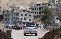 Slik får FN nødhjelp inn i Syria