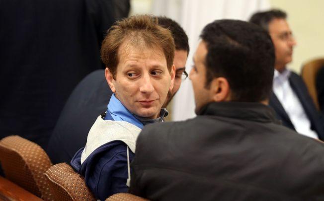 <p>I RETTEN: Rettssaken mot Babak Zanjani har foregått for åpne dører, noe som er uvanlig i Iran. Det er ventet at han vil anke dødsdommen.</p>