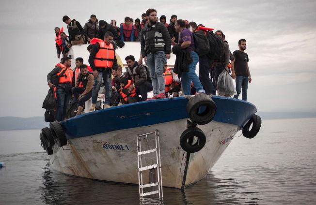 <p>FORTSATT KOMMER BÅTFLYKTNINGENE: I november ble EU enige om en avtale som skulle få ned tallet på flykninger som kom den farlige sjøveien til Hellas. Situasjonen har ikke bedret seg nevneverdig siden da.<br/></p>