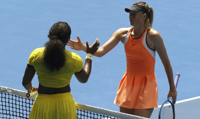 <p>NEMESIS: Maria Sjarapova slo Serena Williams i Wimbledon-finalen i 2004. Siden har amerikaneren hatt overtaket. Her fra årets Australian Open, som er Sjarapovas siste turnering.</p>