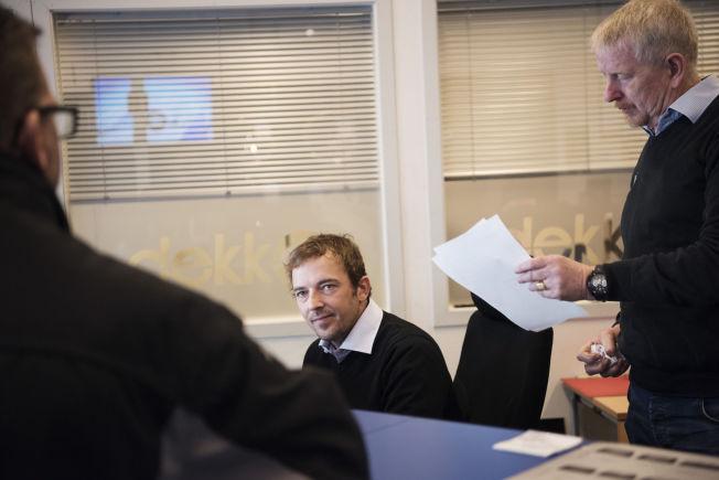 NY KARRIERE: Thomas Bolmes sjef, Karl-Helge Surdal (t.h.), har mye å lære bort første arbeidsdag.