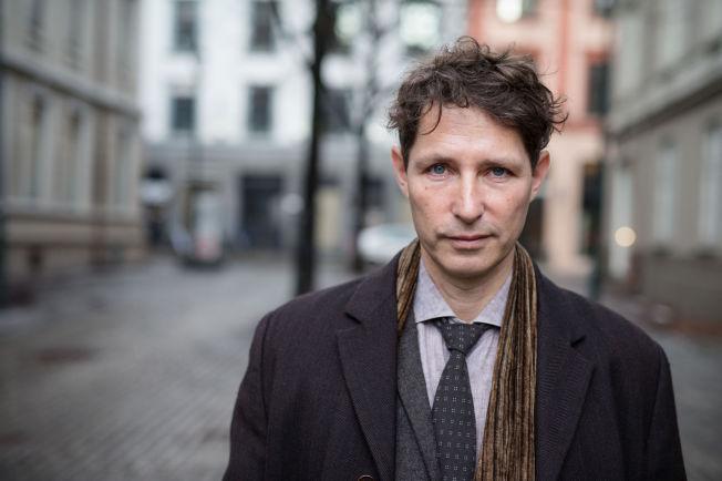 <p>FAST FOOD-KRIM: Den svenske forfatteren Stefan Ahnhem besøkte Oslo i forbindelse med krimfestivalen. Han er aktuell med boken «Den niende graven» som VGs anmelder gir terningkast 3.</p>