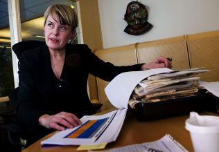<p>LÆREPENGE: Utdanningsdirektør Astrid Søgnen må lyse neste store studietur ut på anbud, krever internkontrollen i kommunen.</p>