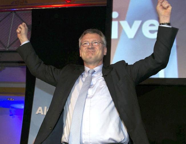 <p>FREMGANG: Nestleder i AfD, Joerg Meuthen, jubler over valgdagsmålingene som viser at partiet ligger an til det godt resultat i tre tyske delstatsvalg.</p>
