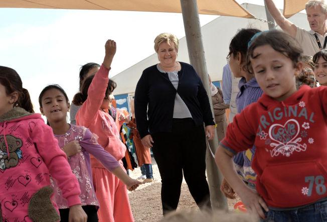STOPPE FLUKTEN MOT EUROPA: Erna Solberg besøkte Zaatari-leiren utenfor Amman i november i fjor.