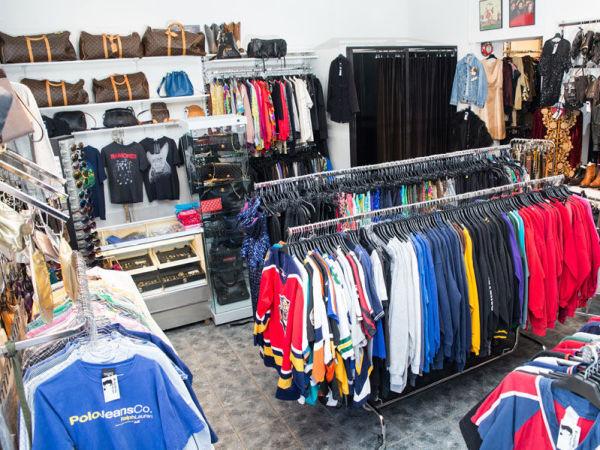 ae22c056 AMERIKANSK VINTAGE: Baseball-skjorter, collegegensere, Levi's-bukser,  Chanel og Louis