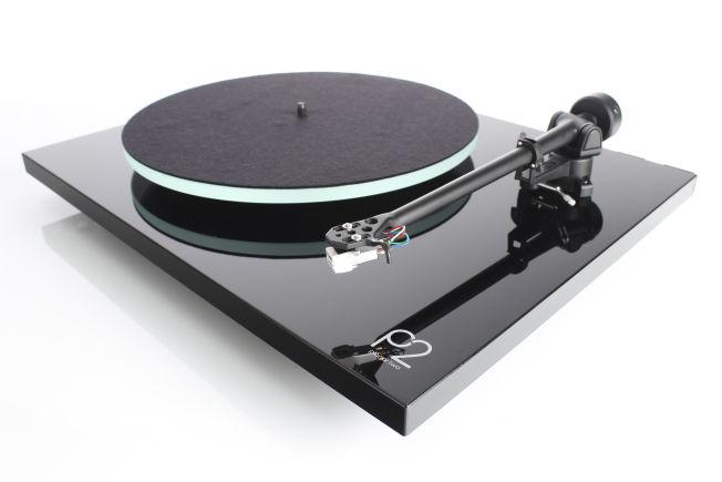 Med Rega Planar 2 får du en vellydende vinylspiller med flott byggekvalitet, til en fornuftig pris.