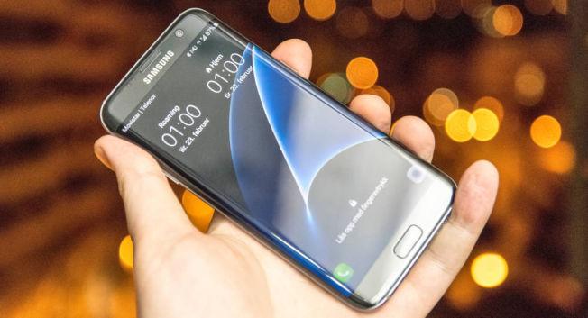 Galaxy S7 Edge var den første S7-modellen vi stiftet bekjentskap med i fjor. Den falt i smak hos oss, og hos store deler av verden.