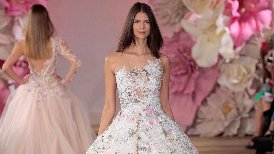 2e1ebf9f Ti bilder som får deg til å ville ha brudekjole med blomster på ...