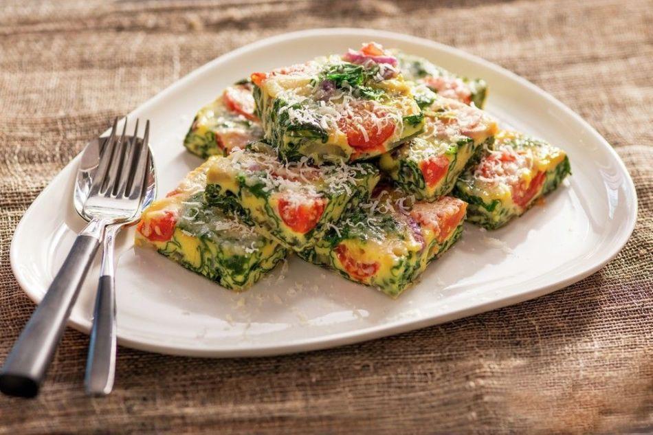 Frittata-med-tomat-og-spinat-1-MP-02287_1024