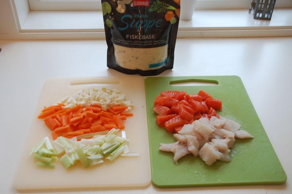 Fiskesuppebase med fisk og grønnsaker 2