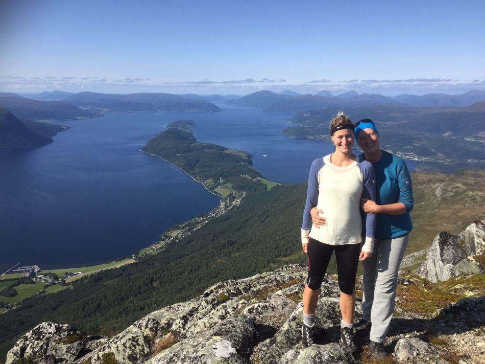 Aud Brekken Lene og jeg på Stortuva 1036 moh