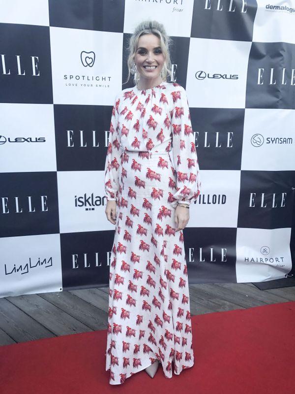 f74a0fb5 LANSERTE KJOLE: Camilla Pihl kledd i kjole designet av Pia Tjelta for  Villoid. Foto