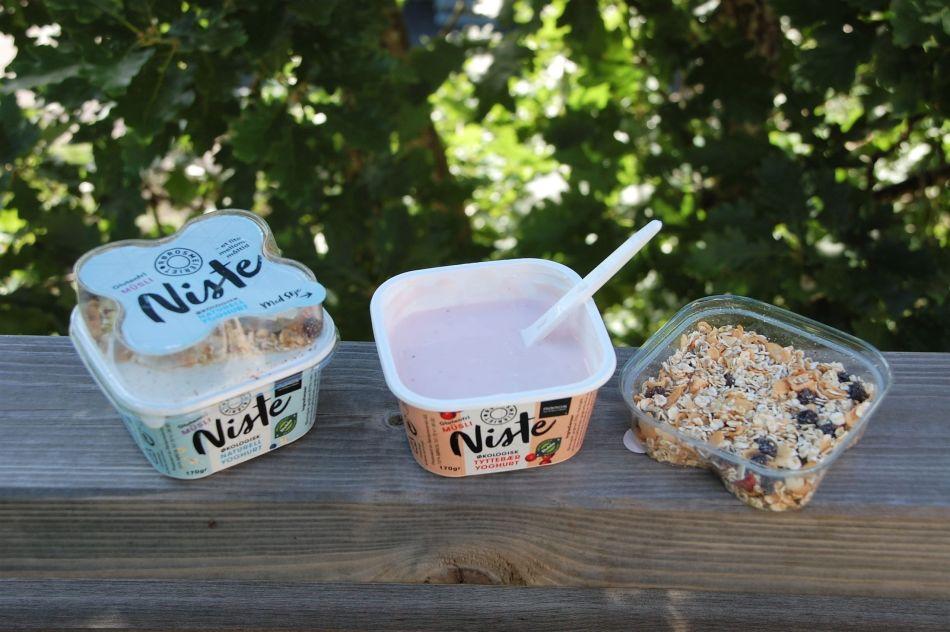 Niste yoghurt og musli