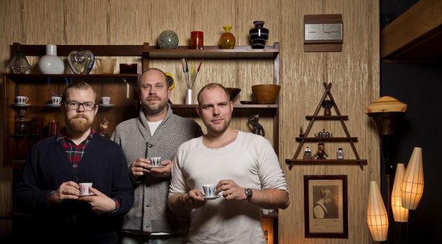 11660318 UTVIDER: (Fra venstre) Halvor Skiftun Digernes (cocktails), Peppe Trulsen (