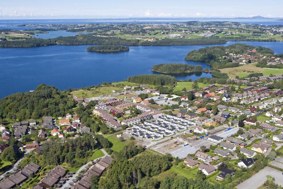 Sanddal og Store Stokkavann, Stavanger, Rogaland. Flyfoto