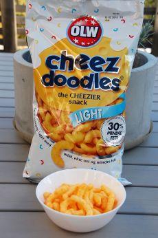 cheez doodles light i pose og skål