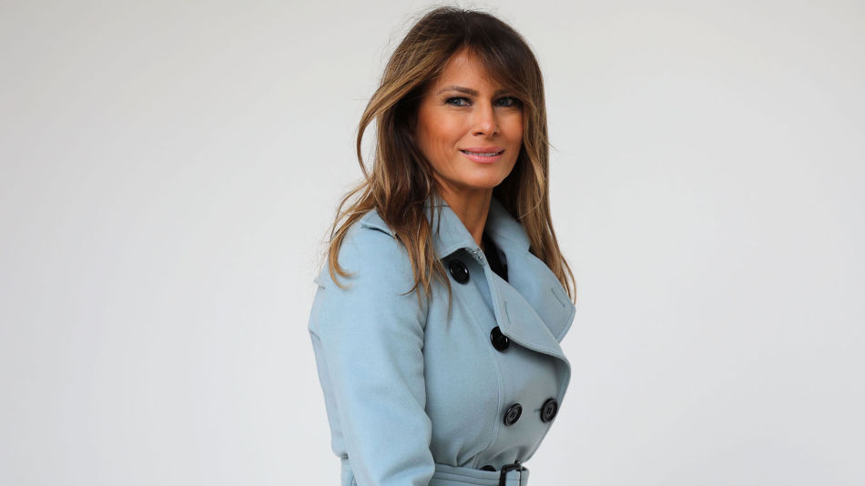 a23829f0 I JAKKETRØBBEL: Melania Trump fikk hard kritikk etter at hun brukte en  jakke med budskapet